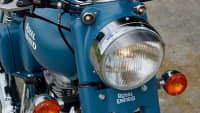 Das Licht einer Royal Enfield Classic 500