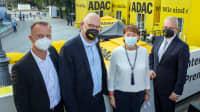 Lars Soutschka , Christoph Walter , VDA Präsidentin Hildegard Müller und Karlheinz Jungbeck beim Treffen am ADAC Messestand zur IAA  in München am Königsplatz