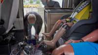 Ein Wohnmobil wird gegen einen PKW gecrashed im ADAC Test- und Technikzentrum in Landsberg