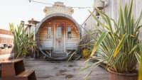 Die Sauna auf der Dachterasse des Volkshotels in Amsterdam