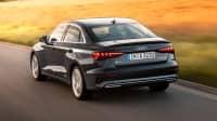 Heckansicht der Audi A3 Limousine fahrend auf einer Straße