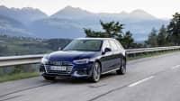 leicht schräge Ansicht des Audi A4 Avant bei der Fahrt