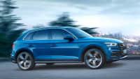 Seitenansicht des Audi Q5 fahrend