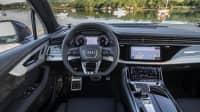 Blick auf das Cockpit vom Audi Q7