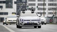 Autonom fahrenden VW E-Golf in Hamburg
