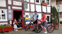 Radfahrer auf der Deutschen Märchenstraße