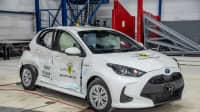 der Toyota Yaris beim Chrashtest mit seitlichem Crash