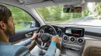 Cockpit eines Mercedes GLC F-Cell 2019