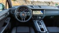 Cockpit eines Porsche Macan