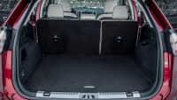 Kofferraum eines roten roter Ford Edge 2019