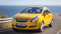 Der gelbe Opel Corsa ist ein Gebrauchtwagenbesteller aus dem Jahr 2010