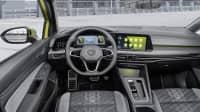 Das Cockpit eines VW Golf Variant