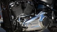Eine Aufnahme des Motors einer Harley Davidson Sport Glide