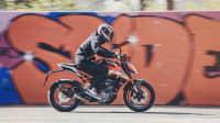 KTM 125 Duke Action