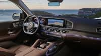 Ins Cockpit des Mercedes GLS sind zwei Bildschirme integriert