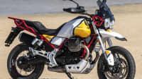 Moto Guzzi V85 TT stehend von der Seite