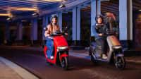 Roller Neuheit 2022 E-Scooter von Segway in Fahrt