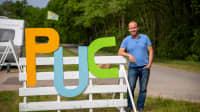 Der Gründer von neuen PopUp-Camps Jobst von Paepcke am Campingplatz in Lohmühlen