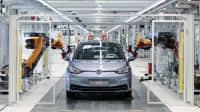 Produktionsstrasse bei VW, zu sehen ist der ID3