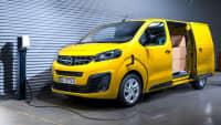 Opel Vivaro-e an der Ladesäule