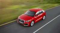 Luftaufnahme des Audi Q2 fahrend