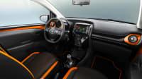 Blick in den Fahrerraum des Toyota Aygo X-XCite