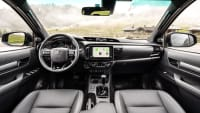 Cockpit des Toyota Hilux