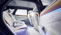 Rückbank im Innenraum eines  VW ID Space Vizzion, der Elektro-Passat