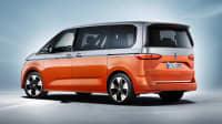 Heck und Seitenansicht des VW Multivan T7