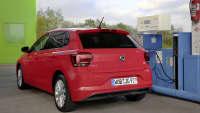 VW Polo TGI beim Tanken