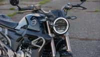 Scheinwerfer und Front des Motorrades Zontes Z125-G1