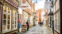 Kleine Strasse mit hübschen alten Häusern