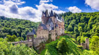 Außenansicht der Burg Eltz