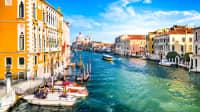 Blick auf den Grand Kanal in Venedig in Italien
