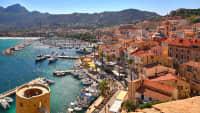 Aussicht über den Hafen von Calvi auf Korsika