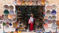 Urlauberin in Marokko auf dem Markt
