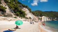 Strand in Mattinata im Nationalpark Gargano in Apulien