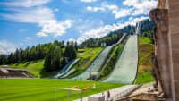Die Skiflugschanze in Garmisch-Partenkirchen im Sommer