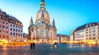 Die Frauenkirche in Dresden aufgenommen zur blauen Stunde