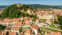 Luftaufnahme der Stadt Sighisoara in Rumänien