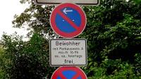 Beschränktes Halteverbot mit Hinweis auf Parkausweis für Bewohner