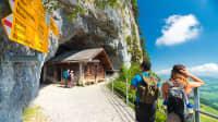 Weg zur Wildkirchli Höhle in der Schweiz