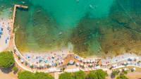 Luftaufnahme des Strands von Alba Chiara bei Medulin in Kroatien