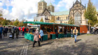 Besucher auf dem Münster Wochenmarkt