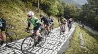 Fahrradrennen auf der steilen Muro die Sormano in der Lombardei