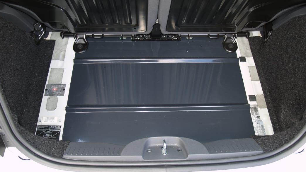 Kofferraum des umgebauten Karabag 500 E