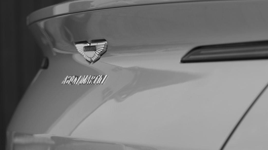 Heckdetail des Aston Martin DB11 Volante