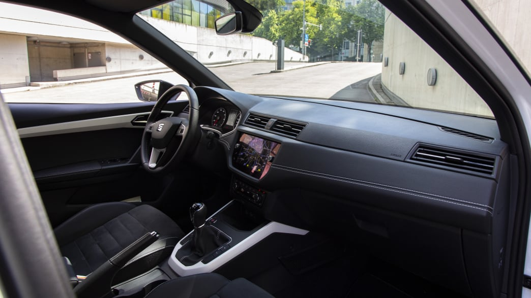Seat Arona TGI Cockpit