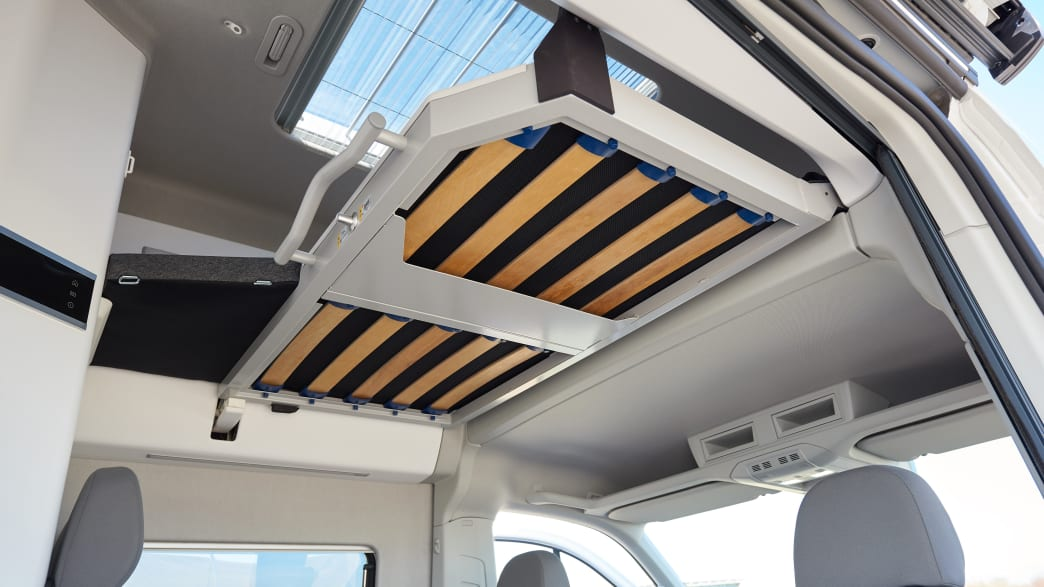 Dachbett in einem VW Grand California 600