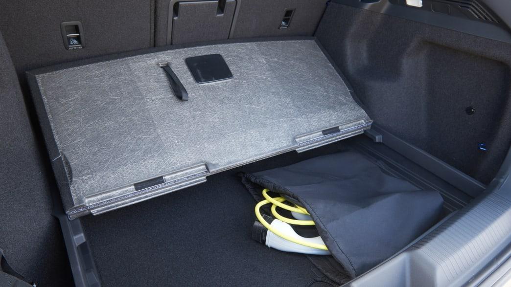 Doppelter Boden im Kofferraum des VW ID4